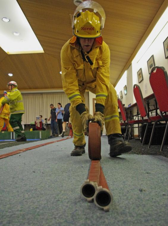 Stretched to the limit? How do firefighters perform in extreme conditions