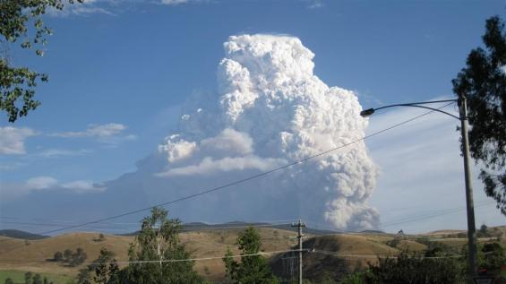 Research is looking at how smoke from bushfires may pose risks to health