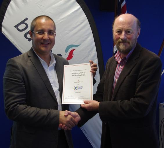 Pôle Risques and the Bushfire CRC have signed an MOU